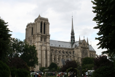 Notre Dame de Paris, from the other side of the Seine